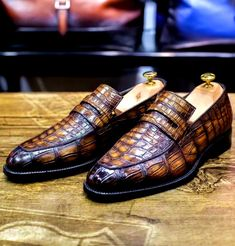 Casual alligator shoes, luxury alligator Slip-On loafers for men, It comes in a slip-on style that makes it convenient to wear. Ron White Shoes, White Slip On Sneakers, Mens Fashion Shoes, Men S Shoes, Sneakers Fashion, Male Fashion, Dress Up Shoes, Men Dress, Dress Clothes