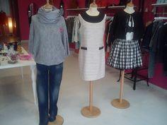 Nuevo escaparate en tienda #casuallook #executivelook y #lolitalook, 3 estilos diferentes!!!