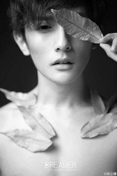 A round trip to love Male Beauty, Korean Beauty, Brunette Aesthetic, Sexy Asian Men, Asian Boys, Foto Portrait, Magic Women, Boy Hairstyles, Light Skin