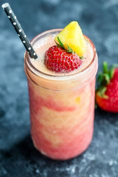 Tropical Pineapple Strawberry Swirl Smoothie - Peas And Crayons