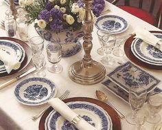 Belclaire House: Suzeday Tuesday: Blue & White Moments