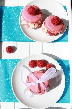 Macarons with Raspberry Macarons, Raspberry, Fruit, Food, Essen, Macaroons, Meals, Raspberries, Yemek
