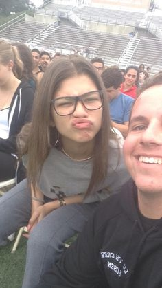 Zendaya at graduation practice Zendaya Style, Zendaya Swag, Most Beautiful Women, Beautiful Outfits, Zendaya Maree Stoermer Coleman, Love And Hip, Graduation Pictures, Mannequin, Camila