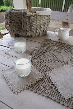 linen coasters with crochet lace trim ❥Teresa Restegui http://www.pinterest.com/teretegui/ ❥
