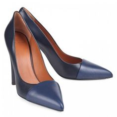 $205  GIVENCHY POINTED PUMPS WITH CONTRAST TOE