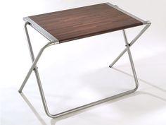 Folding table designed by Alfred van Elk for Kembo. Unfolded product backside. GIO design award, ID design award, honourable mention. Co-design Mars Holwerda.