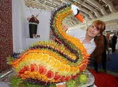 Edible Art - beautiful swan. Where would you start?
