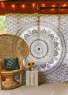 Night Mystic Medallion Tapestry