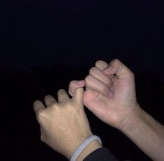 Me and Byrne lock pinkies. Get the best tips and how to have strong marriage/relationship here: Relationship Goals Pictures, Cute Relationships, Secret Relationship, Marriage Relationship, Cute Couples Goals, Couple Goals, You Are My Moon, Couple Hands, Ulzzang Couple