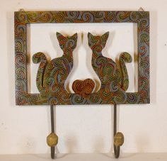 Cabideiro casal de gatos enamorados
