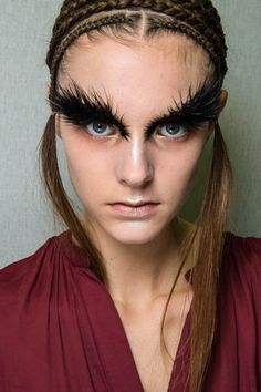 Feather eyebrows and gold Alexander McQueen AW 2014 2015