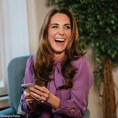 The Duchess Wears Gucci for Early Years Q&A Video - What Kate Wore Duke And Duchess, Duchess Of Cambridge, Kensington Palace Instagram, Kate Middleton Hair, Ab Fab, Evolution Of Fashion, Black Friday Shopping, Bow Blouse, Princess Kate