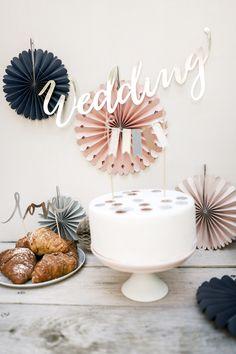 Banner Wedding with cake toppers #banner #decorations #caketopper #slowwedding #modernwedding #blisswedding #blisscollection