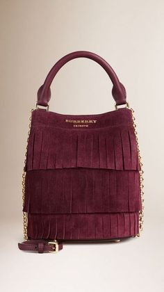 Purses Burberry Elderberry The Small Bucket Bag in Tiered Suede Fringing - The Small Bucket Bag in tiered English suede fringing. Inspired by the runway, the design is made in Italy with hand-finished details. Discover the womens bags collection at Burberry Handbags, Prada Handbags, Fashion Handbags, Purses And Handbags, Fashion Bags, Fashion Purses, Michael Kors Handbags 2017, Burberry Purse, Dior Fashion
