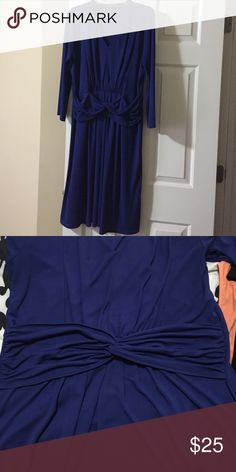 3/4 sleeve royal blue dress 3/4 sleeve navy blue stretchy swing dress with slight v-neck. It hits right above or at knee level. The dress has a belt detail sewn onto the dress (second picture). Jones New York Dresses Midi