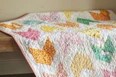 a quilt is nice: girlie pow wow Plus Quilt, Quilt Top, Yellow Quilts, How To Finish A Quilt, Pow Wow, Shirt Quilt, Tree Print, Baby Crafts, Christmas Projects