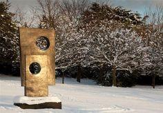 Det er ikke bare firkanter med huller i. Art In Public Places, Public Art, Yorkshire Sculpture Park, Barbara Hepworth Sculpture, Sculpture, Land Art, Outdoor Art, Paper Sculpture, Sculpture Park