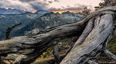 Apocalypse dusk  @hautespyrenees @saintlary @pyreneesorientales_tourisme @pyreneesmagazine @destination_pyrenees @pyrenees_randonnees @grainedephotographe @natimages @chassimages @canonfrance @natgeotravel @natgeowild_france @natgeoyourshot @landscapephotomag @landscapescapture @amazing_shots @landscape_photography_planet @digitalphoto_magazin @france3midipyrenees  #bastan #sunsets #sky #skycolors #landscapelovers #landscaper #landscape_captures #wonderfulplaces #splendid_pages #Mountain…