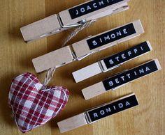 Platzkarte Hochzeit, wunderschön kombiniert mit Herzen, Zweigen oder Kärtchen. Vieles ist möglich bei www.aylando.de