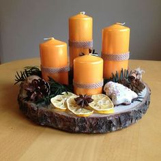 Terrific Free of Charge Advent Wreath on wood Strategies Many chapels variety a Advent-wreath-making affair upon the Thursday of the season. Christmas Advent Wreath, Diy Christmas Gifts, Christmas Decorations, Black Christmas, Christmas Wood, Christmas Time, Advent Candles, Thanksgiving Centerpieces, Diy Weihnachten