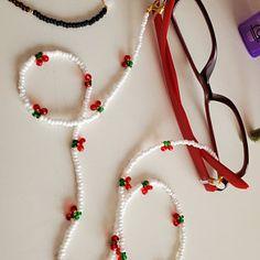 Bead Jewellery, Resin Jewelry, Handmade Jewelry, Jewelry Crafts, Bracelet Patterns, Beaded Jewelry Patterns, Cherry Necklace, Diy Collier, Diy Necklace