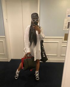 Trendy Black Outfits, Dope Outfits, Mode Streetwear, Streetwear Fashion, College Looks, Teenage Girl Outfits, High Fashion, Womens Fashion, Everyday Outfits