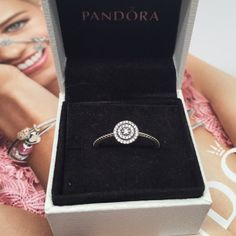 Pandora radiant elegance ring. Pick a size New pandora ring. Pick s size Pandora Jewelry Rings