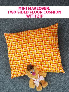Mini Makeover: Two Sided Floor Cushion with Zip on Style for a Happy Home // Click for DIY