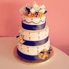 Country Wedding Cake by  2tarts Bakery  New Braunfels, Texas  www.2tarts.com
