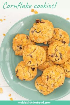 Yummy easy chewy cornflake cookies, I grew up with this cornflake cookie recipe and have loved making them with my kids #cookies #kidssnack #cornflakes Family Meals, Kids Meals, Easy Meals, Family Recipes, Baby Food Recipes, Cookie Recipes, Healthy Recipes, Healthy Cookies, Yummy Cookies