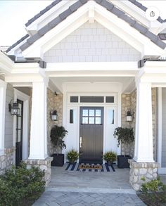 I have just completed a mini makeover on the front door at our beach house. I am sharing my top four tips on How To Create Front Door Appeal. Craftsman Porch, Craftsman Front Doors, Craftsman Exterior, Craftsman Homes, Black Front Doors, Front Door Colors, Black Door, House Front Door, House With Porch