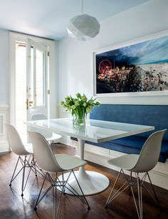 Modern breakfast nook & banquette seating