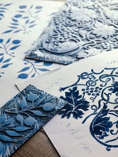 The Original Morris & Co - Arts and crafts, fabrics and wallpaper designs by William Morris & Compan… William Morris, Arts And Crafts For Adults, Easy Arts And Crafts, Stencil, Motifs Art Nouveau, Impression Textile, Arts And Crafts Interiors, Art And Craft Videos, Craft Blogs