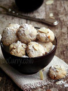 Ghoriba - Moroccan style almond cookies