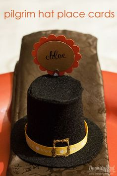 Easy Pilgrim Hat Place Cards for Thanksgiving - Overstuffed Life