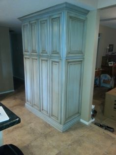 Beautiful new free standing kitchen pantry.