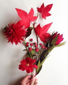 The all red - dahlia, camellia, maple, leucadrendron & hypericum berries. ❤️❤️❤️ #papetal