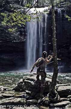 Tomb Raider 2013 photoshoot by Dim Horizon with The Lady Nerd at Cloudland Canyon, GA. Tomb Raider Costume, Cloudland Canyon, Tomb Raider 2013, Warrior Girl, Art Studios, Waterfall, Road Trip, Poster Prints, Nerd