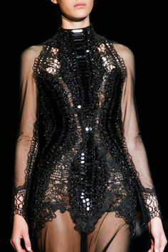 Esther Heesch - Tom Ford Spring 2014 RTW - Details - Fashion Week - Runway, Fashion Shows and Collections - Vogue