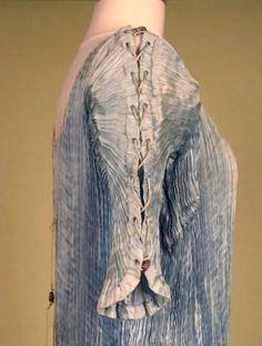 fortuny delphos gown | Fortuny Delphos Dress 1910