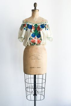 Vintage 1960s Embroidered Silk Crop Top - M | G O S S A M E R