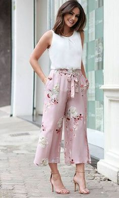 New Fashion Classy Boho Summer Outfits Ideas Boho Summer Outfits, Spring Dresses Casual, Classy Outfits, Trendy Outfits, Dress Casual, Classy Women's Clothes, Trendy Fashion, Summertime Outfits, Feminine Fashion