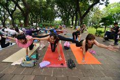 5 Alasan generasi millenial perlu ikutan Yoga