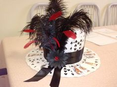 Party top-hat made of playing cards diy hat, mad tea parties, casino Vegas Theme, Vegas Party, Casino Night Party, Casino Theme Parties, Tea Parties, Parties Kids, Themed Parties, Mad Hatter Party, Mad Hatter Tea