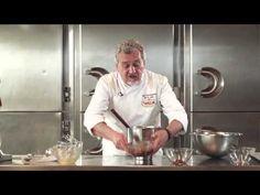 Chocolates Valor - Postres: Bizcocho sin harina de chocolate al caramelo por Paco Torreblanca - YouTube