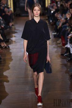 Stella McCartney Fall-winter 2014-2015 - Ready-to-Wear - http://www.flip-zone.net/fashion/ready-to-wear/fashion-houses-42/stella-mccartney-4667 - ©PixelFormula