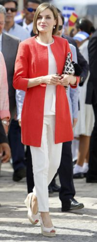 26 May 2015 - Queen Letizia visits the town of Comayagua in Honduras. Click to read more