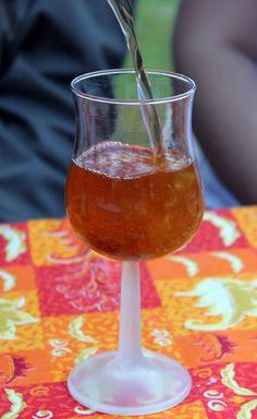 Cognac tatin (du cognac, du sirop de caramel et du jus de pomme)