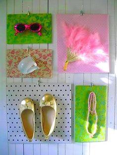 http://romulyyli.blogspot.fi/2011/11/tyttosen-seinalle.html