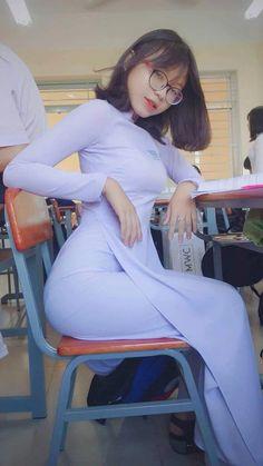 Beautiful Hijab, Beautiful Asian Women, Burmese Girls, Poses References, Cute Asian Girls, Ao Dai, Asian Woman, Sexy Dresses, Asian Beauty